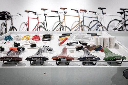 titsandtires:  New tokyobike shop opened in London (by NONUSUAL)
