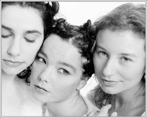 a-fall-leaf-something:  PJ Harvey, Björk & Tori Amos  Wow three amazing women in one photo