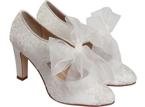 Cherish by Dianne Hassell8.5 cm. heel height. Pure silk satin covered in embroidered organza. Sizes 36-40. Available in ivory.  So pretty I just though I'd share!