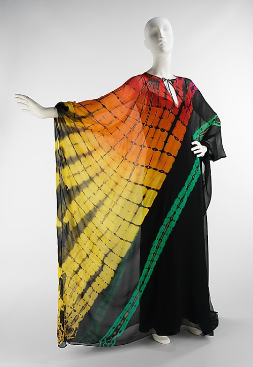 Dress Halston, 1975 The Metropolitan Museum of Art