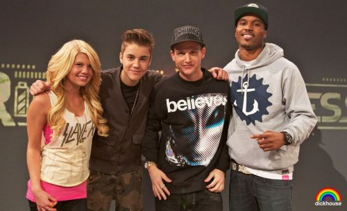 Justin with the Ridiculousness hosts