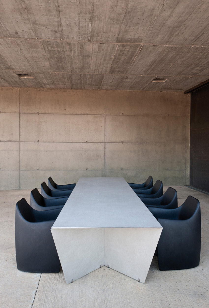 theabsolution:  Angle Table by Serra & Delarocha