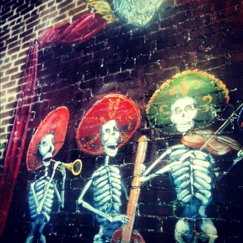 #skeleton #skeletons #band #music #brick #painting #casatina #dunedin #florida #restaurant #mexican #mexico #iphone #iphonesia  (Taken with instagram)