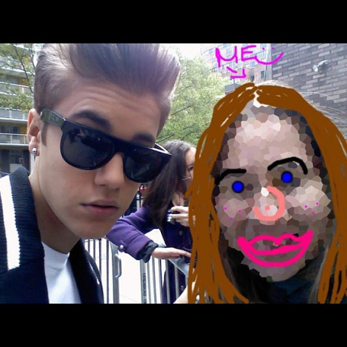 Justin and a fan today. (fan marked herself out)
