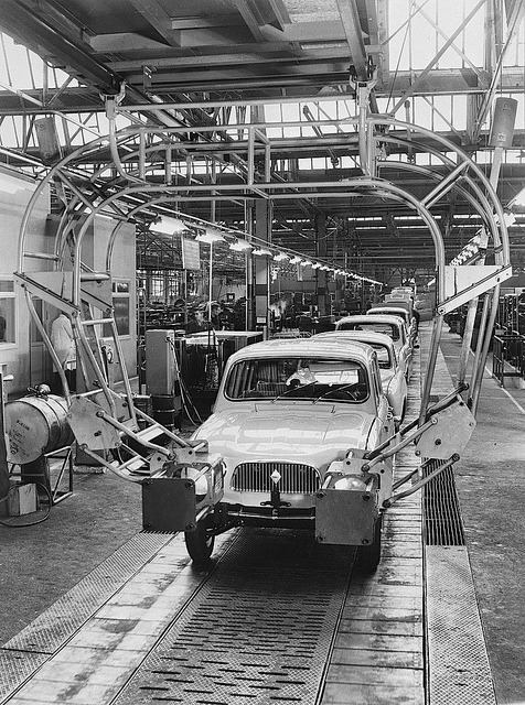 Renault 4 Assembly line by Auto Clasico on Flickr.