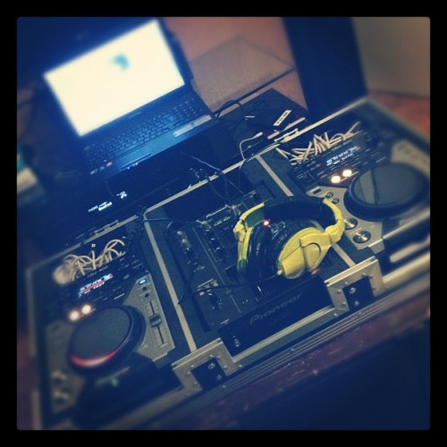 pulling an allnighter. #dj #party #setlist #beatmixing (Taken with instagram)