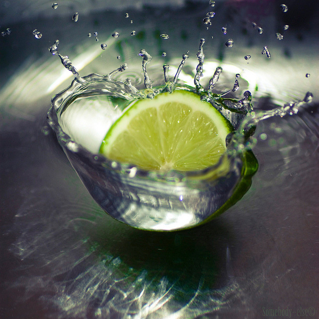 coffeenuts:  Ca pique, le citron vert by Somebody—else on Flickr.