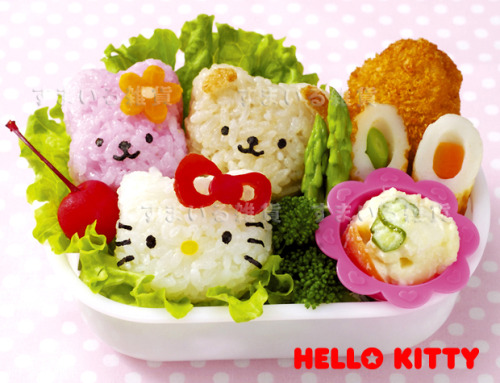 """KYARABEN"" DECORATE YOUR LUNCH BENTO BOX  http://www.flutterscape.com/product/no/17902/hello-kitty-lunch-box-set-sanrio-kyaraben"