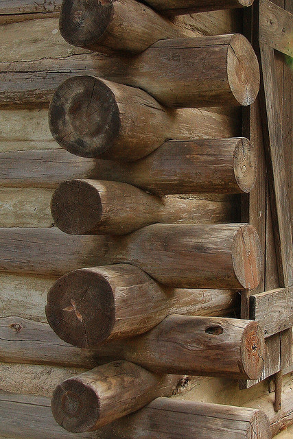 moodsofthemoon:  Log Cabin Details - 2 by elatawiec62 on Flickr.