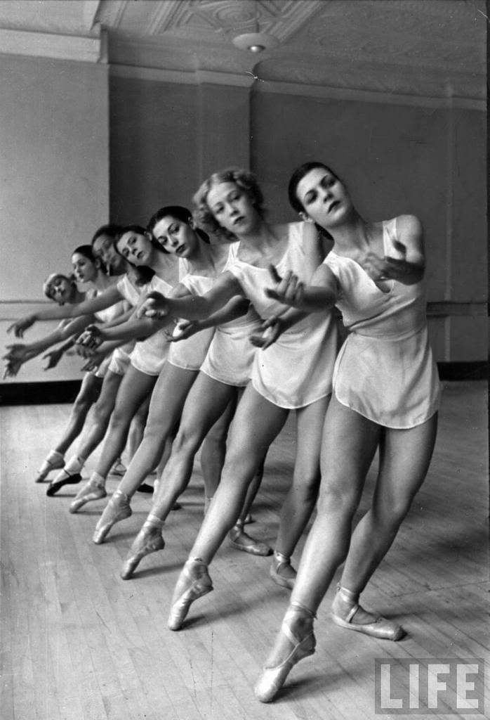 blowjob-from-hell:  Members of the Metropolitan Opera's ballet practicing, by Alfred Eisenstaedt (1936)