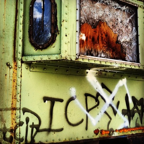 Old train car #igers #trains #abandoned #beautyindecay (Taken with instagram)