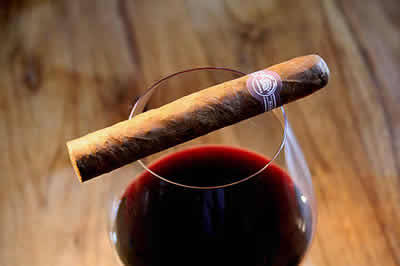 Montecristo No.4, Cuban, the most popular cigar in the world - $415.39 for a box of 25.