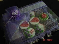 12-piece Cupcakes Set (Purple)