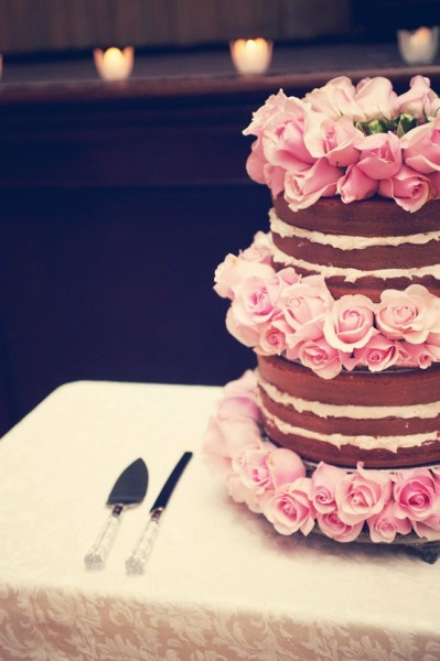 justcallmegrace:  flowered cake  This would also look sweet with hyacinths, carnations, peonies, or baby's breath!