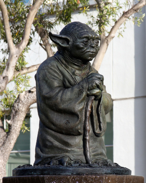 SWNZ Visits Lucasfilm - part 2, Letterman Digital Arts Center: http://swnz.dr-maul.com/moretext.php?request=201204ldac