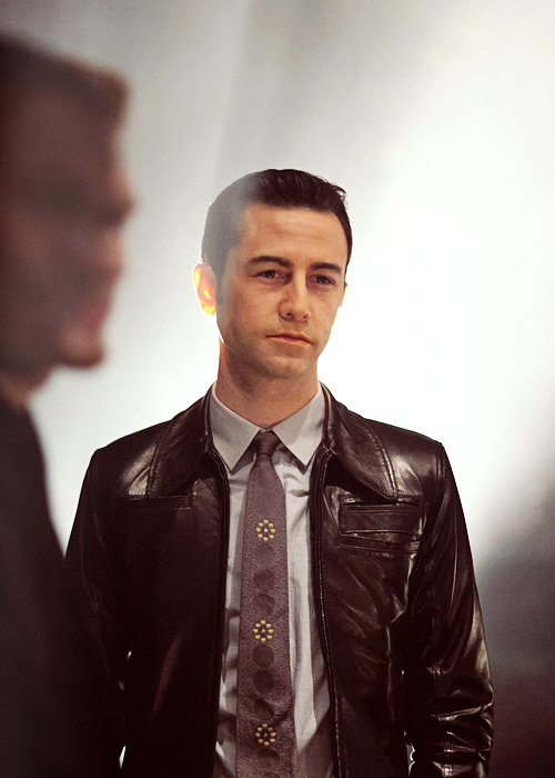 jglnews:  Joe as Joe in Looper