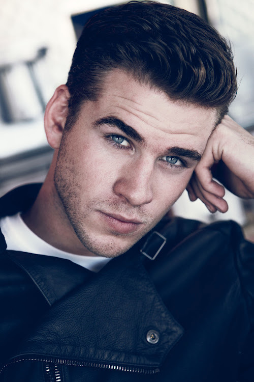 Liam Hemsworth, hair on point.