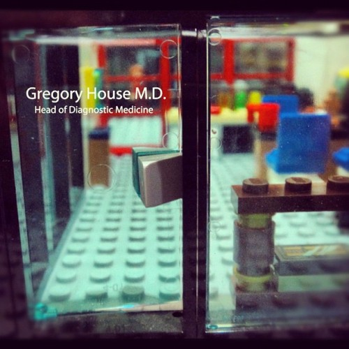 Gregory House office made of Lego. Inspired by @GabbyG77 who made the apartment #lego #legostagram #legography #housemd #gregoryhouse #office (Taken with instagram)