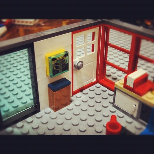 Gregory House office: X-ray light box #lego #legostagram #legography #housemd #gregoryhouse #office  (Taken with instagram)