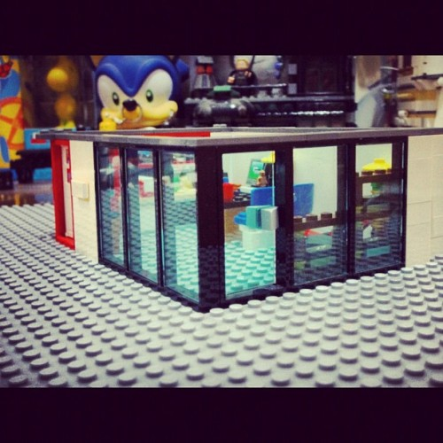 Gregory House office from the outside #lego #legostagram #legography #housemd #gregoryhouse #office  (Taken with instagram)