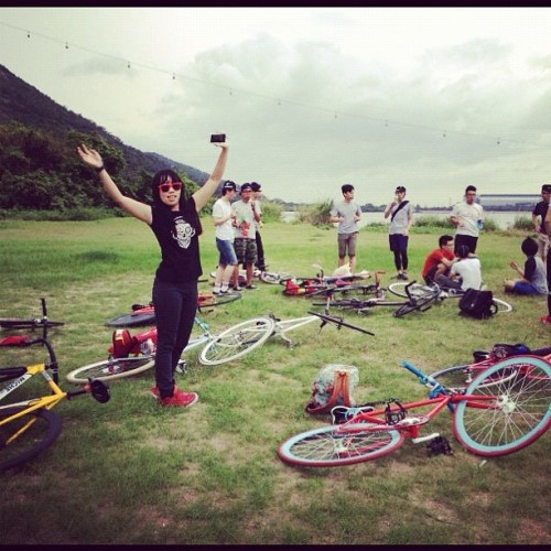 Picnic #hongkongfixedgeargirl #fixielicious #fixedgear #hongkongfixedgear #bike #bicycle #cycling  (Taken with instagram)