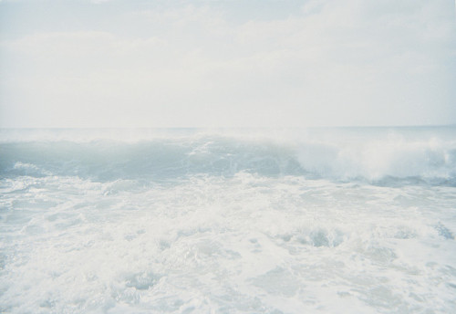 calm-vanilla:  electric-wish:  a drop in the ocean,  a change in the weatherrrrr  I was praying that you and me might end up togetherrr