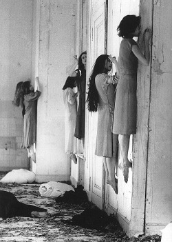 wonderfulambiguity:  Pina Bausch, Blaubart (performance), 1977