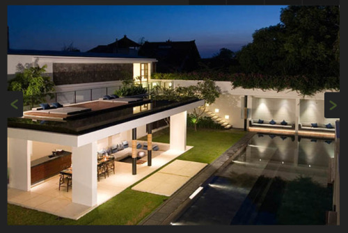 Bali Private Villas… Imagine relaxing in your very own villa, surrounded by stunning architecture, gorgeous tropical gardens, a beautiful private pool and a personal chef and butler who can prepare many culinary delights for you and your guests, leaving everyone to indulge in their own time out. It's not just the rich and famous that can do it!