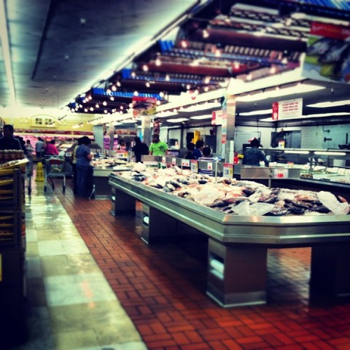 Asian Market. #flipstigram #filipino #market #fish #sandiego #goodfood  (Taken with Instagram at Seafood City Supermarket)