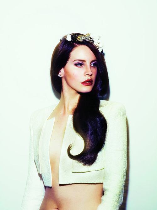 i-followrivers:  pre10tious:  Lana Del Rey  she looks hella hot