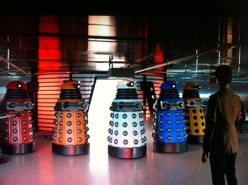 lilio:  That awkward moment when the Daleks have their own squad of Power Rangers…