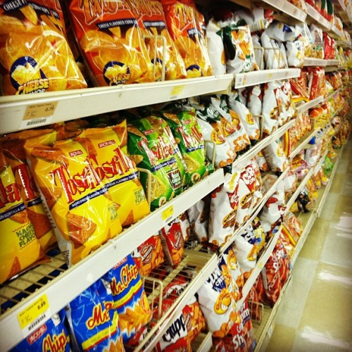 Clover Chips my fav…. Nom nom nom…#sandiego #market #filipino #flipstigram #yummy #goodfood #snacks (Taken with Instagram at Seafood City Supermarket)