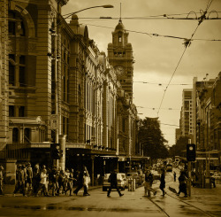 Flinders St on Flickr.