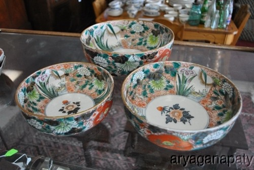 Set Of Three Beautifully Ornate Oriental Serving Dinner Bowls