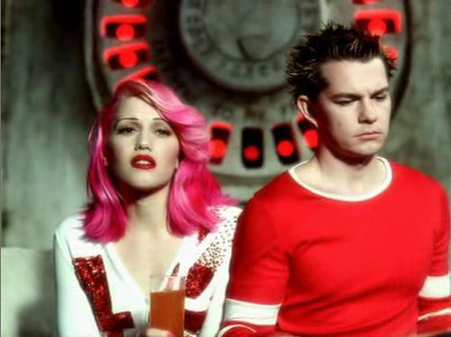 I remember when i first saw gwen stefani with hair like this i wanted it so bad!!!!!