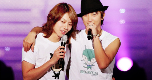 "In may 2010, a Korean News source reported that Heechul went into depression after Hankyung requested the dissolution of his contract. After both his Dorm mates Hangeng and Kibum left him, Heechul lived in seclusion, locking his door. He did not go on any of the stage shows including yearly award shows. Heechul said, ""I was in a big chaos. It was difficult for me to laugh on TV and dance on stage… I had lived with Hankyung, drank together and was really close. It was mentally difficult."" On may 28th, Heechul wrote about Hangeng, on his minihompy… And he said: ""There is a friend of mine… The friends korean isn't the best but he's amazing at chinese… This friends singing is alright but he is really good at dancing… I like cats and this friend likes dogs… I can't cook but this friend is good at cooking… I always cursed but this friend always laughed… But… Now that time has passed, I never did anything good for him… It's making me sorry… When he was next to me, I never did anything nice to him… I don't self-pity myself usually… I think I'm just drunk which is why i'm crying… It's a special and sacred thing to have someone beside you… Though I grew up, I never realized that… But… A lot later… Now I know… Wow… There's a reason why you should appreciate what you have… Saying ""I miss him"" is a phrase I can use now… The tears that never came out when I filmed sad scenes are coming down painfully now…"""