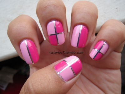 I love 4 square nails. Colors used:  OPI - Pink Friday, Kiss Me On My Tulips