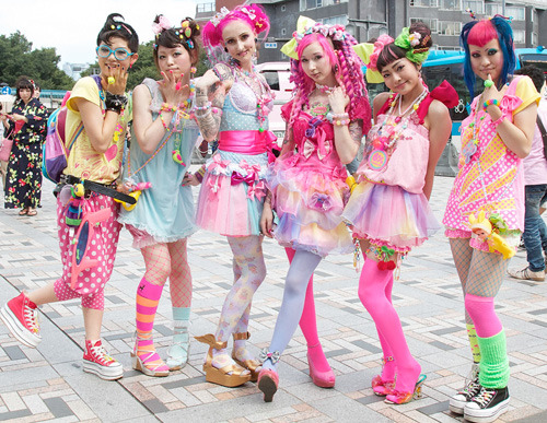 Harajuku girls must take a while to get ready in the morning, right? Would love to hear from someone about how long it takes them. When it's time to do the laundry I imagine that with all those bright colors you'd have to do a lot of separates hand washing too!!!!  :-)  wolfgrl29:  Sometimes you just gotta sit back and admire Harajuku Fashion!