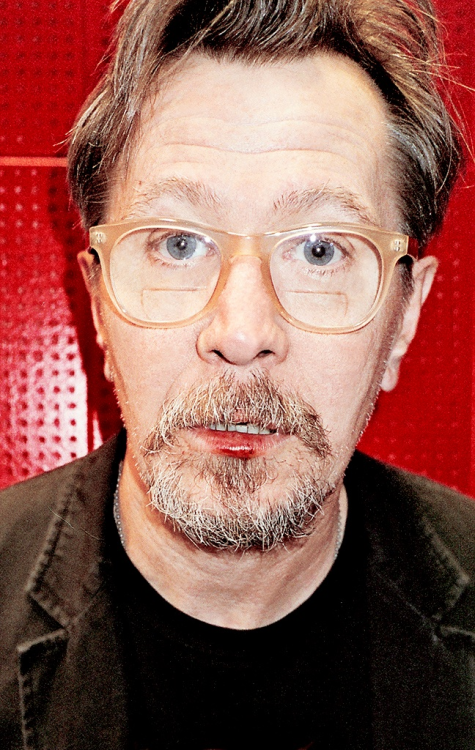Gary Oldman bloody lip.