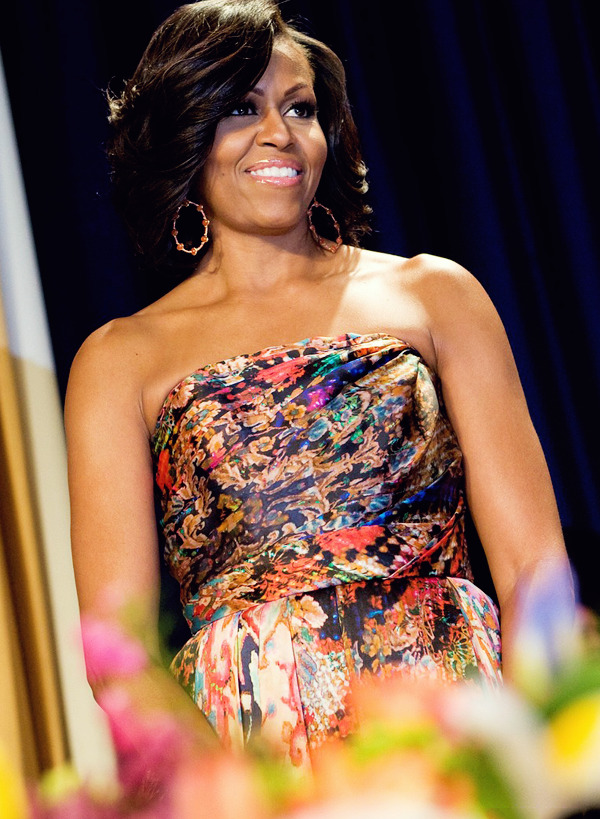 livefortodaynottomorrowx:  First Lady Michelle Obama looking absolutely beautiful at 2012 White House Correspondents Dinner
