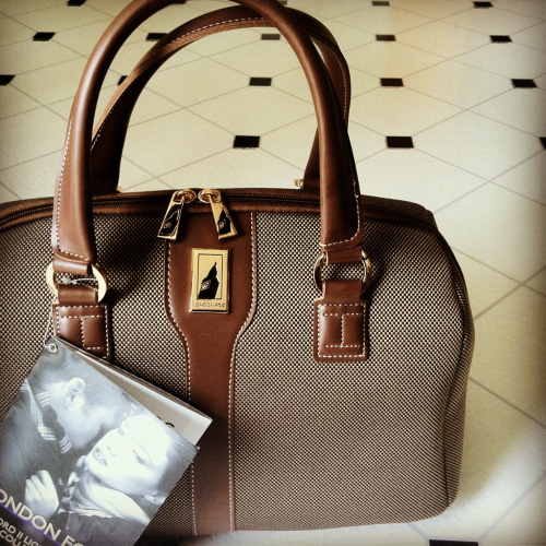 iamjazmine:  New holdall, for studying abroad next semester. 'Tis a beaut.