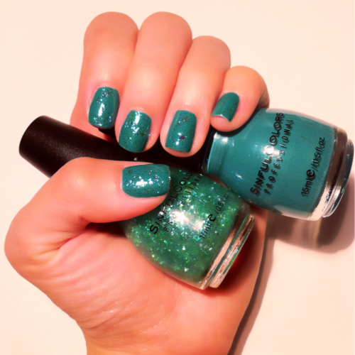 Layering Sinfulcolors Professional's 'Green Ocean' on top of 'Rise and shine' for this beautiful sunny weekend in NY.