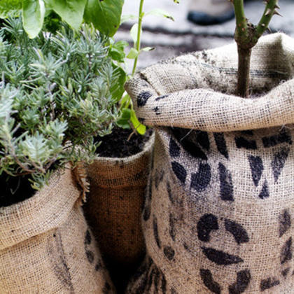 DIY Coffee Bag Planter Pots (so cute!) (via BO.LT)