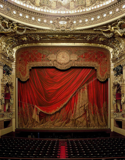 blua:  Garnier Opera, Paris. Photography by David Leventi