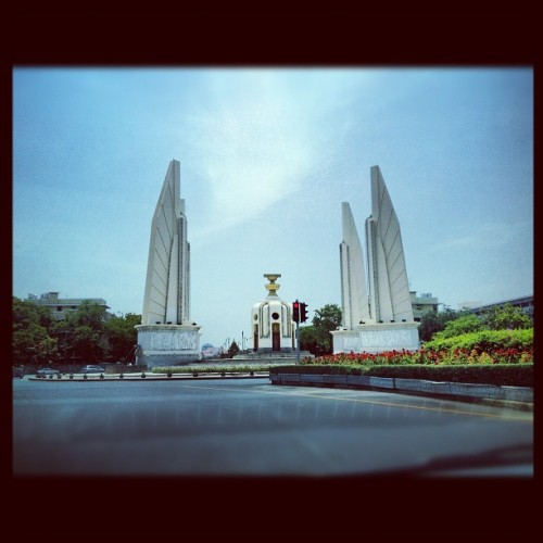 #bangkok#thailand#urban#sky#democracy#monument (Taken with instagram)