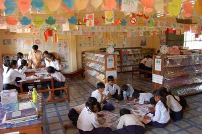 Room to Read works with rural communities to establish schools and libraries and ensure that girls receive an education.Read more at Suite101: Nonprofit Room to Read Provides Books to Underpriveleged Nations | Suite101.com http://dawn-koogle.suite101.com/room-to-read-a406785#ixzz1tQ5OCbLt