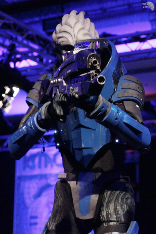 As they enter Character: Garrus Vakarian - Mass Effect Costumer: ~Manjou Photographer: Nert