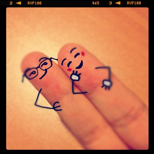 #finger #dollface #smile #bestpicture #instagain #instalove #instamood #instagood #light #black #iphonesia #red #white #glass #love #embrace (Taken with instagram)
