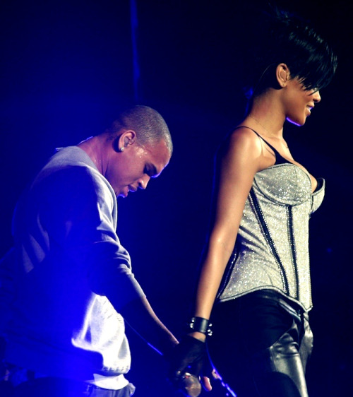One of my fave pics of Chris & Rih :) - submission from lauren