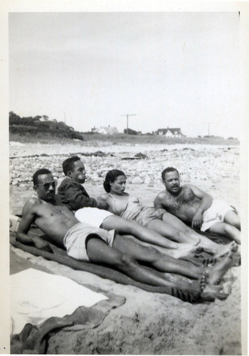 Easy Livin' Rhode Island, 1948 [R.I. Beach House Album] ©WaheedPhotoArchive, 2012